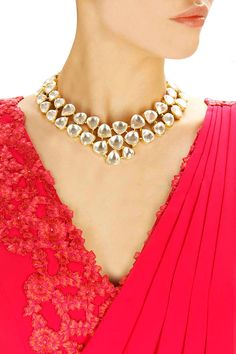 Gold finish bold and beautiful kundan necklace available only at Pernia's Pop-Up Shop.