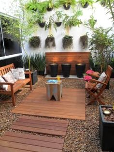 Images of little gardens. Ideas for little patios. Tips for decorating little patios. embellishment of small patios. Terrace Garden, Garden Planters, Garden Art, Backyard Patio, Backyard Landscaping, Modern Courtyard, Modern Conservatory, Outdoor Furniture Sets, Outdoor Decor