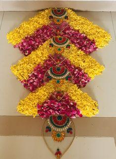 Easy Rangoli Designs Diwali, Simple Rangoli Designs Images, Rangoli Designs Flower, Colorful Rangoli Designs, Rangoli Ideas, Diwali Diy, Diwali Rangoli, Flower Rangoli, Beautiful Rangoli Designs