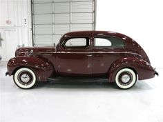 1939 FORD DELUXE 2 DOOR SEDA - Barrett-Jackson Auction Company - World's Greatest Collector Car Auctions
