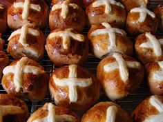 Mennonite Girls Can Cook: Hot Cross Buns