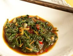 The Nomadic Feast Kitchen: Cah Kangkung (stir fried spinach): Being Indonesian means - part 1