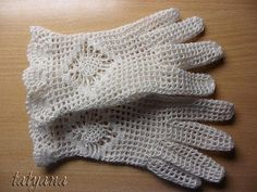 Fishnet gloves, step by step.
