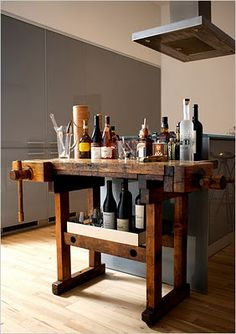 Party on Wheels: Bar Carts Stage a Comeb. Party on Wheels: Bar Carts Stage a Comeb. Party on Wheels: Bar Carts Stage a Comeback - The New York Times Homemade Kitchen Island, Rustic Kitchen Island, Kitchen Islands, Kitchen Industrial, Industrial Style, Vintage Industrial, Industrial Lamps, Vintage Table, Industrial Furniture