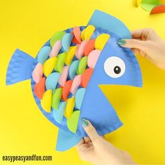 Paper Plate Fish Craft – Rainbow Paper Circles DIY Craft Ideas for Kids Colorful fish made of paper plates Paper Plate Fish, Paper Plate Animals, Paper Plate Crafts, Paper Plates, Ocean Kids Crafts, Summer Crafts For Kids, Preschool Crafts, Fun Crafts, Ocean Theme Crafts
