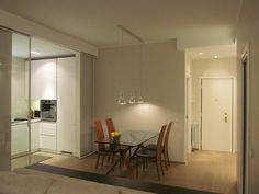 Una Stanza in più : Sala da pranzo moderna di Architetto Alberto Colella