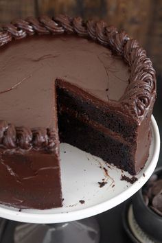 The Most Amazing Chocolate Cake & Chocolate Coconut Cheesecake You'll Ever Have – YupFoodie - Kuchen Ideen :) Amazing Chocolate Cake Recipe, Best Chocolate Cake, Chocolate Cream, Chocolate Cake Recipes, Dessert Chocolate, Chocolate Frosting, Baking Chocolate Cake, Simple Chocolate Cake, Beautiful Chocolate Cake