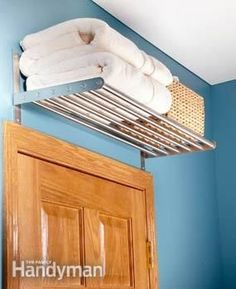 Towel storage bathroom comes in immense options that will blow your mind. Grab some inspiring ideas of savvy towel storage for bathroom only right here! Small Bathroom Storage, Kitchen Storage, Small Bathrooms, Bathroom Shelves, Bedroom Storage, Bathroom Faucets, Bathroom Towels, Smart Kitchen, Downstairs Bathroom