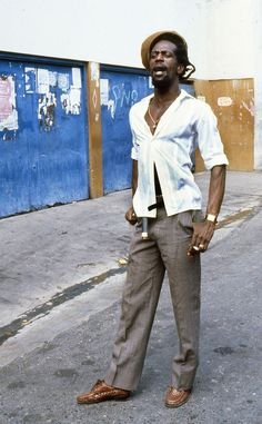 GREGORY ISAACS © Beth Lesser