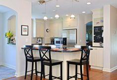 Kitchen peninsula with seating