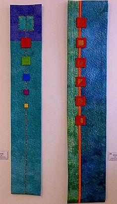 Blautopf (li), Goldrausch (re) 'Farbe, Form, Vielfalt' - Einzelausstellung von Tina Mast idea the world training craft craft diy craft for kids craft no sew craft to sale Mini Quilts, Small Quilts, Quilting Projects, Quilting Designs, Fabric Art, Fabric Crafts, Skinny Quilts, Creative Textiles, Quilt Modernen