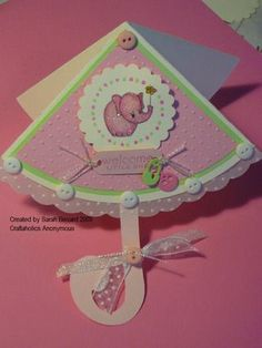 I think this umbrella card is perfect for this time of the year! I made this one as a New Baby card. Fancy Fold Cards, Folded Cards, Scrapbook Paper Crafts, Scrapbook Cards, Scrapbooking, Umbrella Cards, Baby Shower Invitaciones, New Baby Cards, Shaped Cards