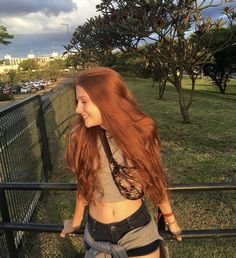 People With Red Hair, Girls With Red Hair, Beautiful Red Hair, Beautiful Redhead, Redhead Girl, Auburn Hair, Red Hair Color, Grunge Hair, Dream Hair