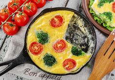 Freeze frittata and other egg casseroles to make it easy when you want to enjoy a hearty brunch with little prep. **A few precautions** will ensure that the dish is delicious when it's reheated. Breakfast Recipes, Dinner Recipes, Dinner Ideas, Freezing Eggs, Beach Meals, Egg Casserole, Food Hacks, Food Tips, Frittata