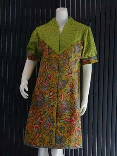 Blouse Batik, Batik Dress, Blouse Dress, African Print Fashion, African Fashion Dresses, African Wear, African Dress, Model Kebaya, Kurta Patterns