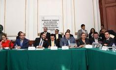 Rumbo al análisis del presupuesto del próximo año, ayer arrancó en la Asamblea Legislativa del Distrito Federal (ALDF) la pasarela de los 16 jefes delegacionales. En el primer día de encuentro con la Comisión de Presupuesto y Cuenta Pública, los delegados de Álvaro Obregón, Azcapotzalco, Benito Juárez y Coyoacán sumaron 2 mil 891 millones […]