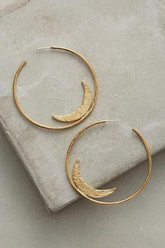 Women's style// jewelry/ gold hoops