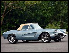 1962 Chevrolet Corvette Convertible presented as lot at St. Chevrolet Corvette, Old Corvette, 1962 Corvette, Pontiac Gto, Rockabilly Vintage, Vintage Cars, Antique Cars, Classic Corvette, Corvette Convertible