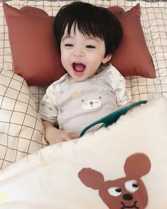 Cute Baby Boy, Cute Little Baby, Lil Baby, Little Babies, Cute Kids, Baby Kids, Cute Asian Babies, Korean Babies, Asian Kids
