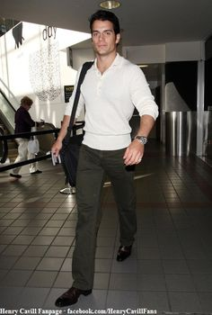 Henry-Cavill-Arriving-for-a-Flight-at-LAX-February-11-2012-04 by The Henry Cavill Verse, via Flickr