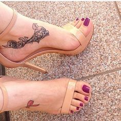 ❣ #feet #pés #foot #pé #feetlovers #instafeet #footfetish #feticheporpes #toes #unhas #unhasdasemana #sandalia #sapato #teamprettyfeet #nailpolish #dominatrix #esmalte #pies #pieds #podolatria #toering #dedoslongos #soles #solas #lindospés #amomeuspés #foo