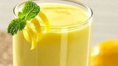 Powerful banana drink for extreme and rapid weight loss to help you start melting the fat away. When combined with a low-calorie diet, this drink can help you lose up to 10 pounds in 1 week. Easy Diet Plan, Low Carb Diet Plan, Diet Plans To Lose Weight, Low Calorie Recipes, Calorie Diet, Weight Loss Drinks, Fast Weight Loss, Mojito, Banana Drinks