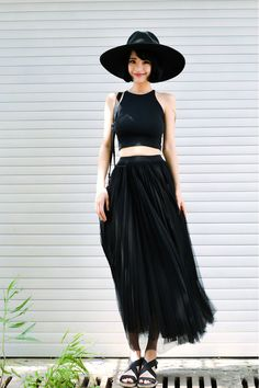 cropped top, maxi and hat