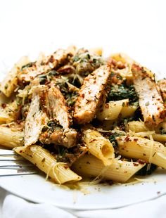 Salty Foods, Very Hungry, Aesthetic Food, Pasta Salad, Spaghetti, Food And Drink, Tasty, Lunch, Chicken