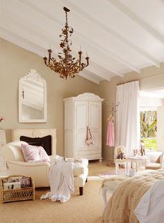 Salita de dormitorio con armario de madera blanco, lámpara de lágrimas, chaise longue, espejo y chimenea (00348300)