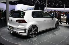 2017 Volkswagen Golf R400 Caught In The Flesh