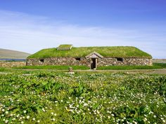 Newly Excavated Viking Dwelling May Be Oldest Found in Iceland   Smart News   Smithsonian Magazine Ancient Vikings, Norse Vikings, Viking People, Animal Bones, Viking Age, Archaeological Site, 12th Century, World, Dates