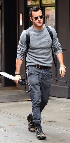 Justin Theroux, Grey and black, Mens Fall Winter Street Style Fashion, NYC.