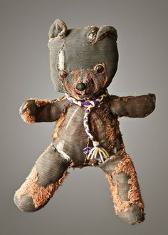 "the-milk-eyed-mender: "" MUCH LOVED Photographer Marc Nixon made ​​a series of portraits of teddy bears and other stuffed animals along with their age, size and history. Some were very much loved. Old Teddy Bears, My Teddy Bear, Toy Art, Antique Toys, Vintage Toys, Serge Reggiani, Lorie, Love Bear, Old Toys"