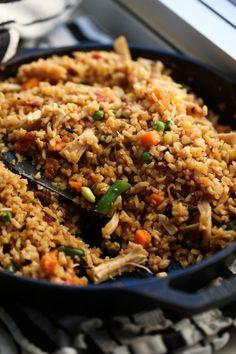Fried Cauliflower Rice Chicken Fried Cauliflower Rice, Cauli Rice, Fried Chicken, Riced Cauliflower, Healthy Chicken, Healthy Rice Recipes, Chicken Rice Recipes, Veggie Recipes, Diet Recipes