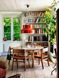 Keltainen talo rannalla: Kolme ruotsalaista kotia