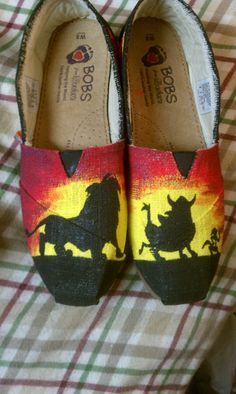 Lion King custom painted shoes Simba Timone Pumba--- I have the best shirt to match theseeee!!!! WANT THEMMM