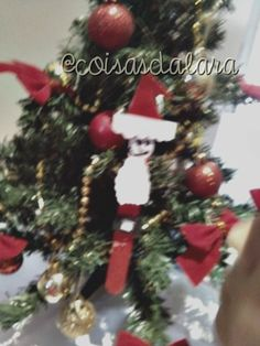 Enfeites da árvore de natal feitos com palito de sorvete. Aqui http://coisas-da-lara.blogspot.com/2014/11/enfeites-da-arvore-de-natal-faca-voce.html