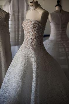 ディオール15年春夏クチュールコレクションの舞台裏 ムービー公開 | Fashionsnap.com                                                                                                                                                                                 もっと見る