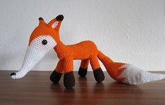 Karl - Free crochet amigurumi fox pattern by Stephanie Koras Crochet Fox, Crochet Patterns Amigurumi, Amigurumi Doll, Crochet Animals, Diy Crochet, Crochet Patron, Fox Pattern, Stuffed Toys Patterns, Handmade Toys