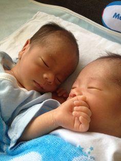 twins twin boys baby