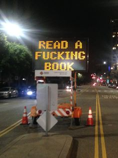 """Not a Photoshop Job: """"Read a F—-ing Book"""" Street Sign Was Likely a Hack (PHOTOS) #lol #books #reading #usa"""