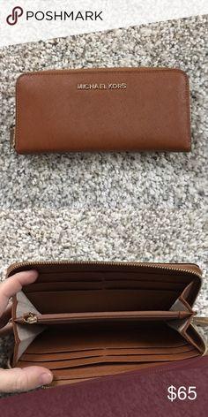 Michael kors wallet Excellent michael kors tan saffiano wallet Michael Kors Bags Wallets
