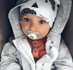 Baby, family, and boy image Baby Boy Fashion, Kids Fashion, Little Boy Fashion, Fashion Art, Little Babies, Cute Babies, Cute Baby Boy, Baby Baby, Foto Baby