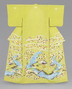 Women's kimono (Kosode) from the early 19th century, Japan (Edo Period). Philadelphia Museum of Art