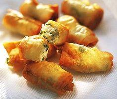 Frasiga filodegsknyten fyllda med fetaost och persilja, perfekta som tilltugg. www.ving.se/turkiet Healthy Afternoon Snacks, Yummy Snacks, Healthy Snacks, Yummy Food, Tapas, I Love Food, Good Food, Vegetarian Snacks, Weird Food