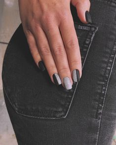 glam matte nails ideas with black nail art 9 ~ thereds. Gelish Nails, Matte Nails, Black Nails, Diy Nails, Glitter Nails, Acrylic Nails, Fabulous Nails, Gorgeous Nails, Pretty Nails