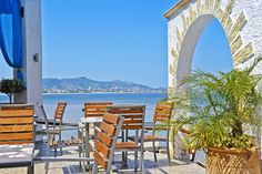 Rejser til Rhodos - Book din ferie her! Greece Holiday, Vacation Places, Greek Islands, Rhode Island, Marina Bay Sands, Places Ive Been, The Good Place, To Go, Heaven
