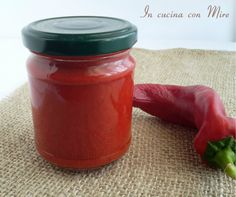 Salsa per salami di peperoni rossi dolci o piccanti per il salame calabrese