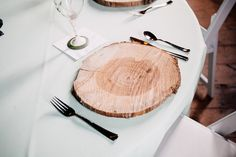Twin Peaks wedding on @offbeatbride - Love the wood slice chargers - Classy execution of a quirky theme!