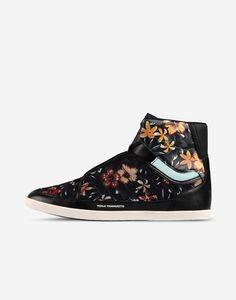 7a2c05396  Y 3 Honja High High Top Sneakers